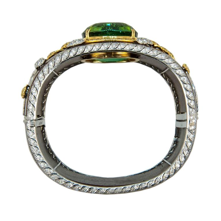 Laura Munder 76.21 Carat Green Tourmaline Wood Diamond Two Color Gold Bracelet  5