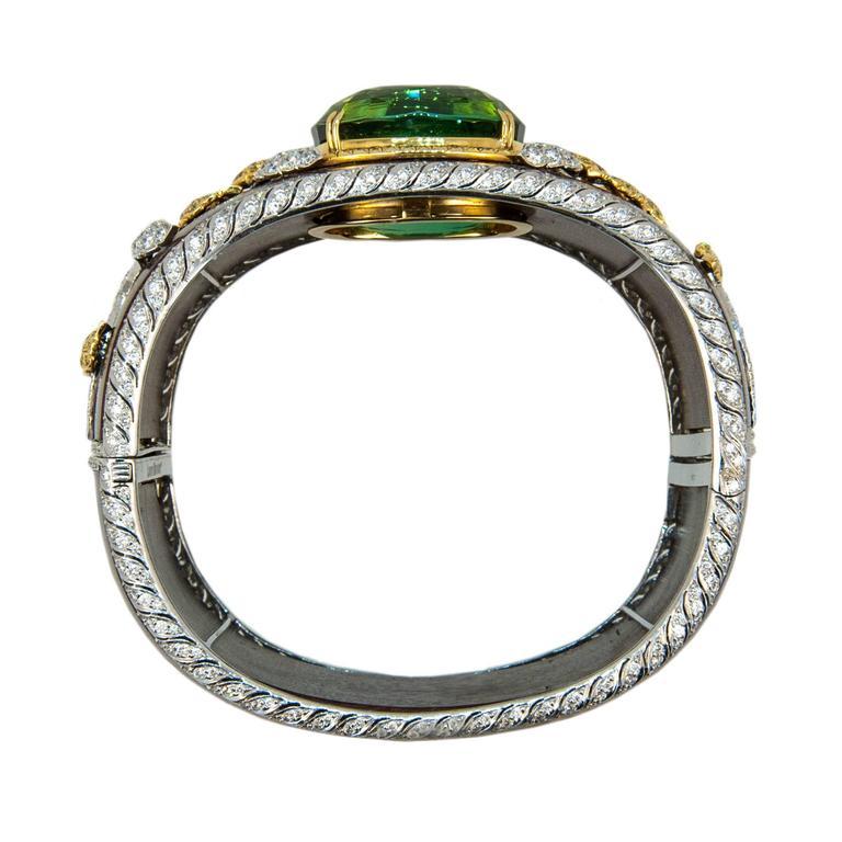 Laura Munder 76.21 Carat Green Tourmaline Wood Diamond Two-Color Gold Bracelet For Sale 1
