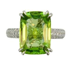 Laura Munder Brilliant 8.82 Carat Peridot Diamond Gold Ring