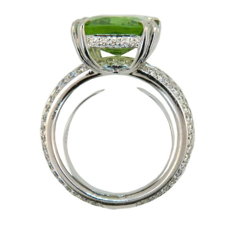 Emerald Cut Laura Munder Brilliant 8.82 Carat Peridot Diamond Gold Ring For Sale