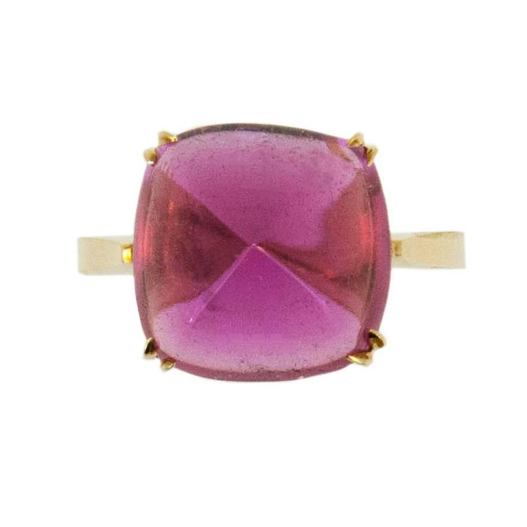 Cushion Cut  Laura Munder Sugarloaf Cut 8.90 carat Rubellite Tourmaline Gold Ring For Sale