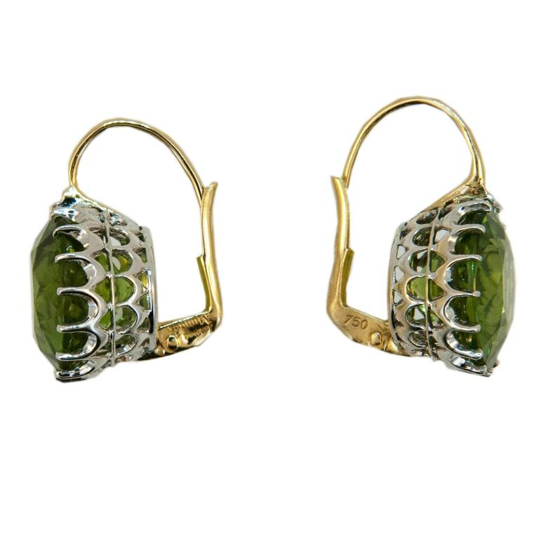 Laura Munder 13.5 millimeter Peridot Drops on a Wire Gold Earrings 3