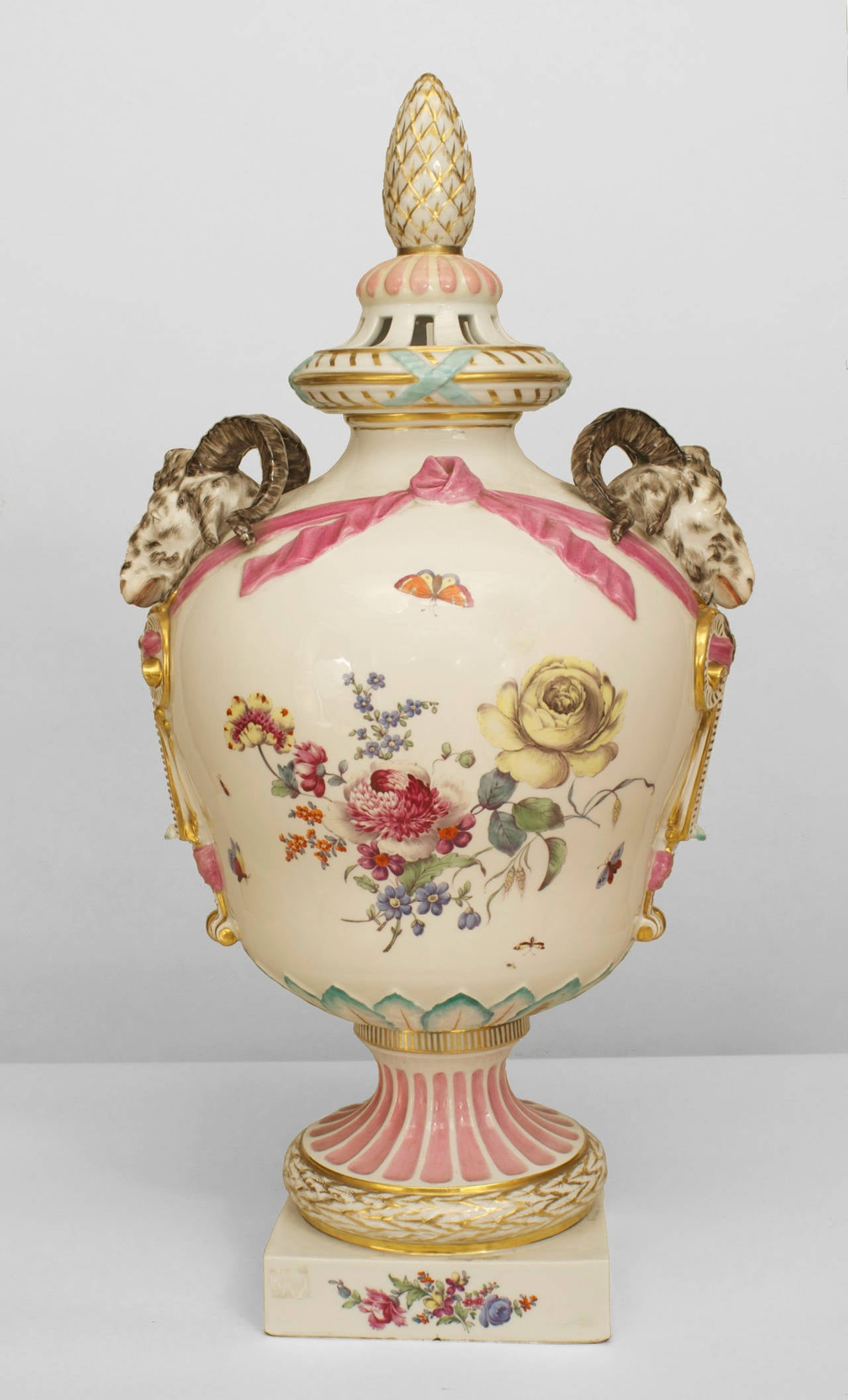 A Fine 18th Century Continental German Porcelain Decorated