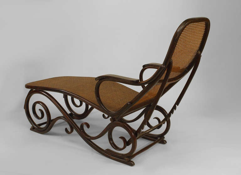 Turn of the century austrian bentwood chaise attributed to for Chaise bentwood