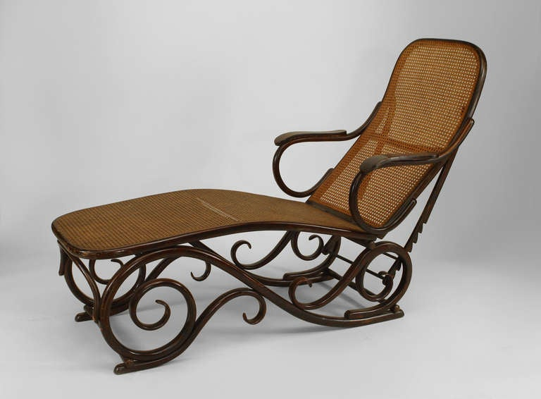 turn of the century austrian bentwood chaise attributed to thonet for sale at 1stdibs. Black Bedroom Furniture Sets. Home Design Ideas