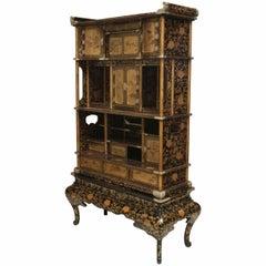 Japanese Meiji Period Black Lacquered Étagère Cabinet