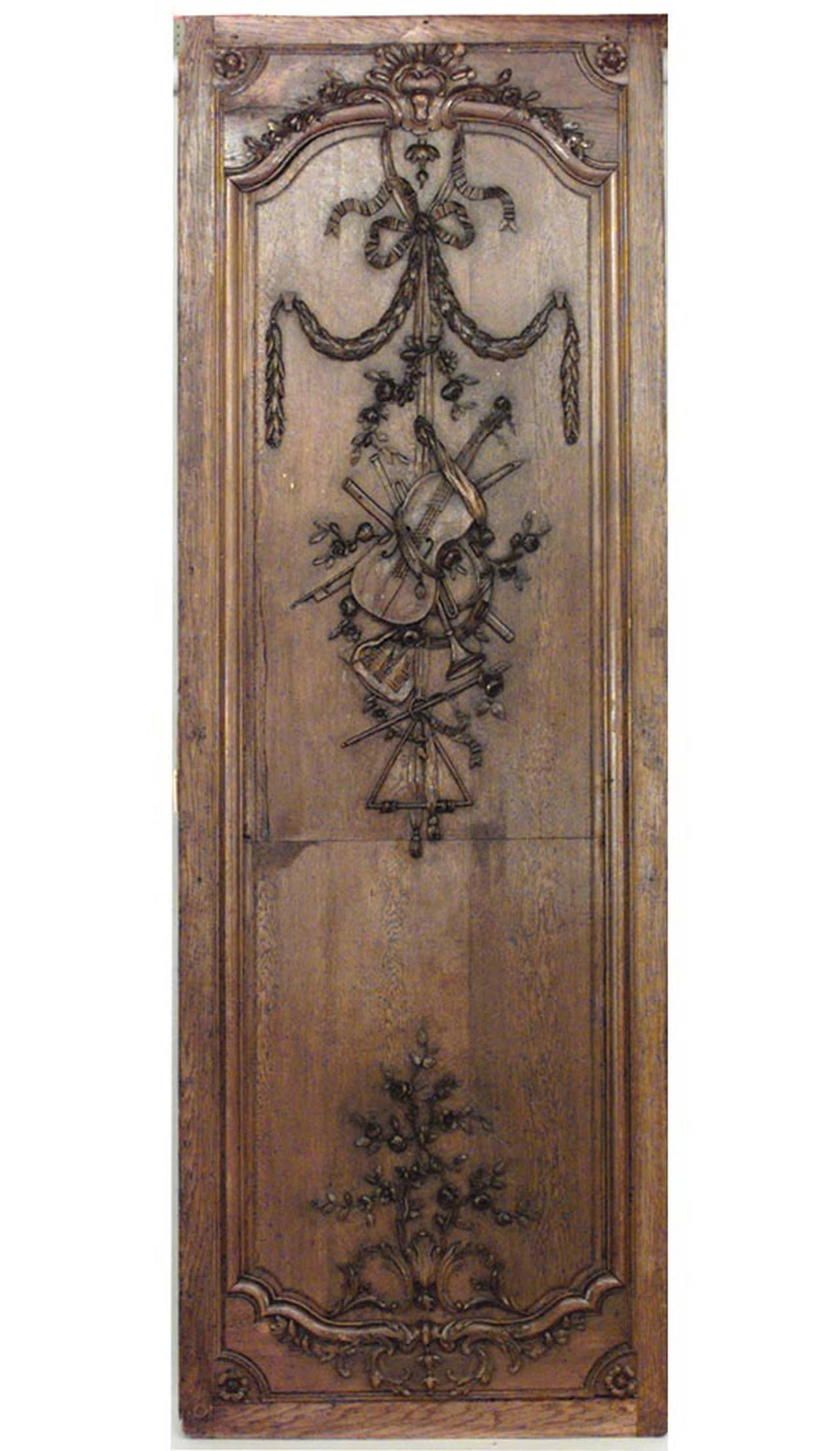 19th Century Important Set of 32 French Régence Paneled Walls with Carved Reliefs For Sale