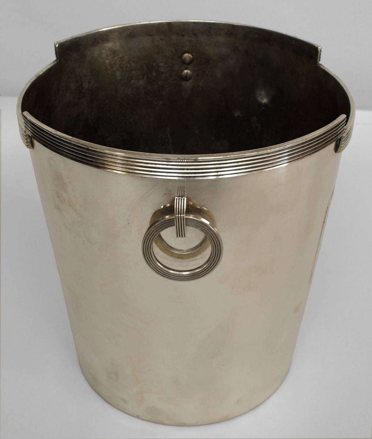 American Art Deco chrome plated champagne bucket with a geometric and