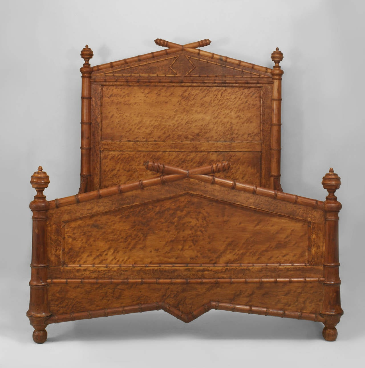 Late 19th Century American Faux Bamboo Queen Size Bed In Excellent Condition For Sale In New York, NY