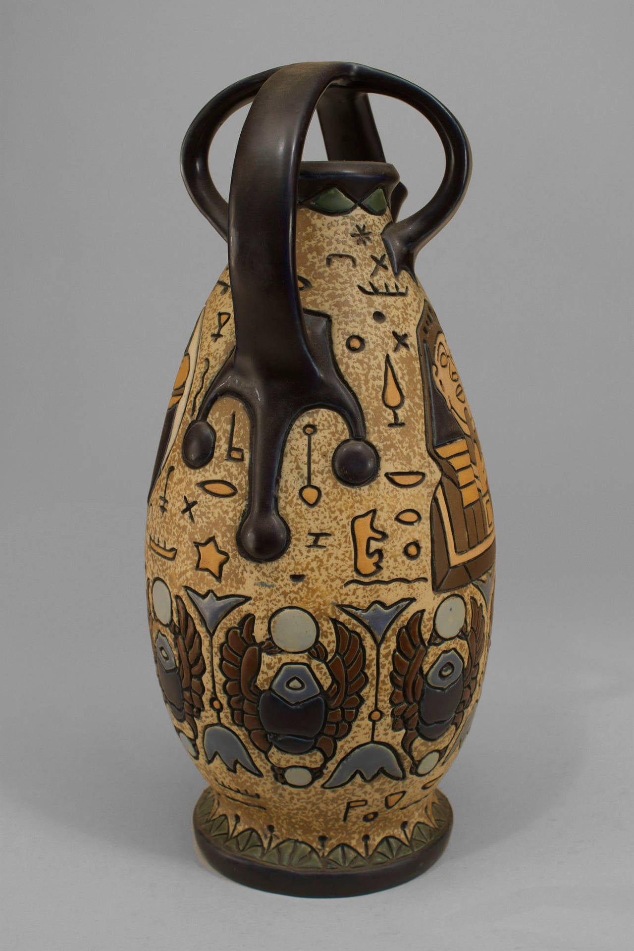 Early 20th c. Czechoslovakian Egyptian Revival Amphora In Excellent Condition For Sale In New York, NY