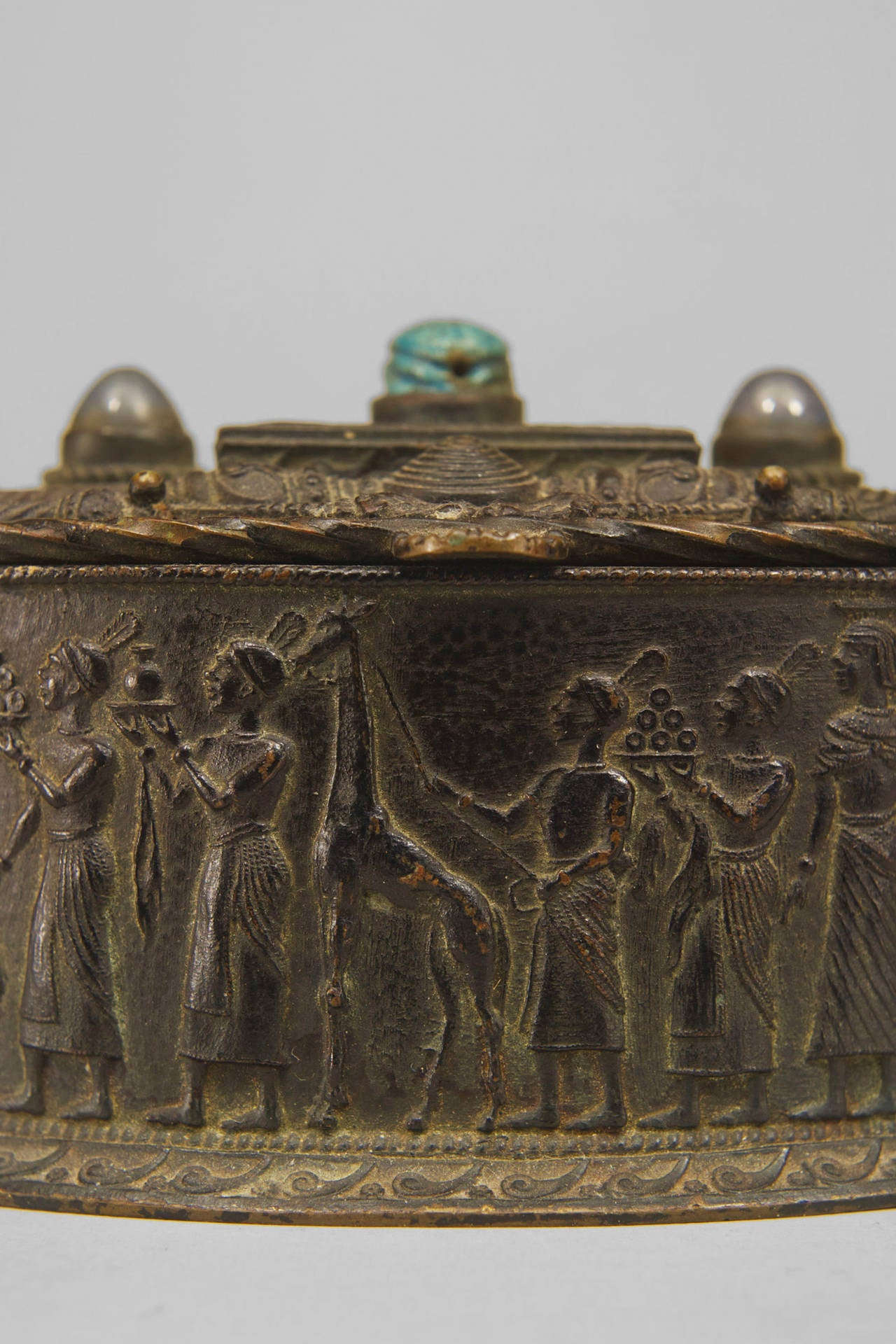 Egyptian Revival Inlaid Bronze Oval Box, circa Late 19th Century In Excellent Condition For Sale In New York, NY