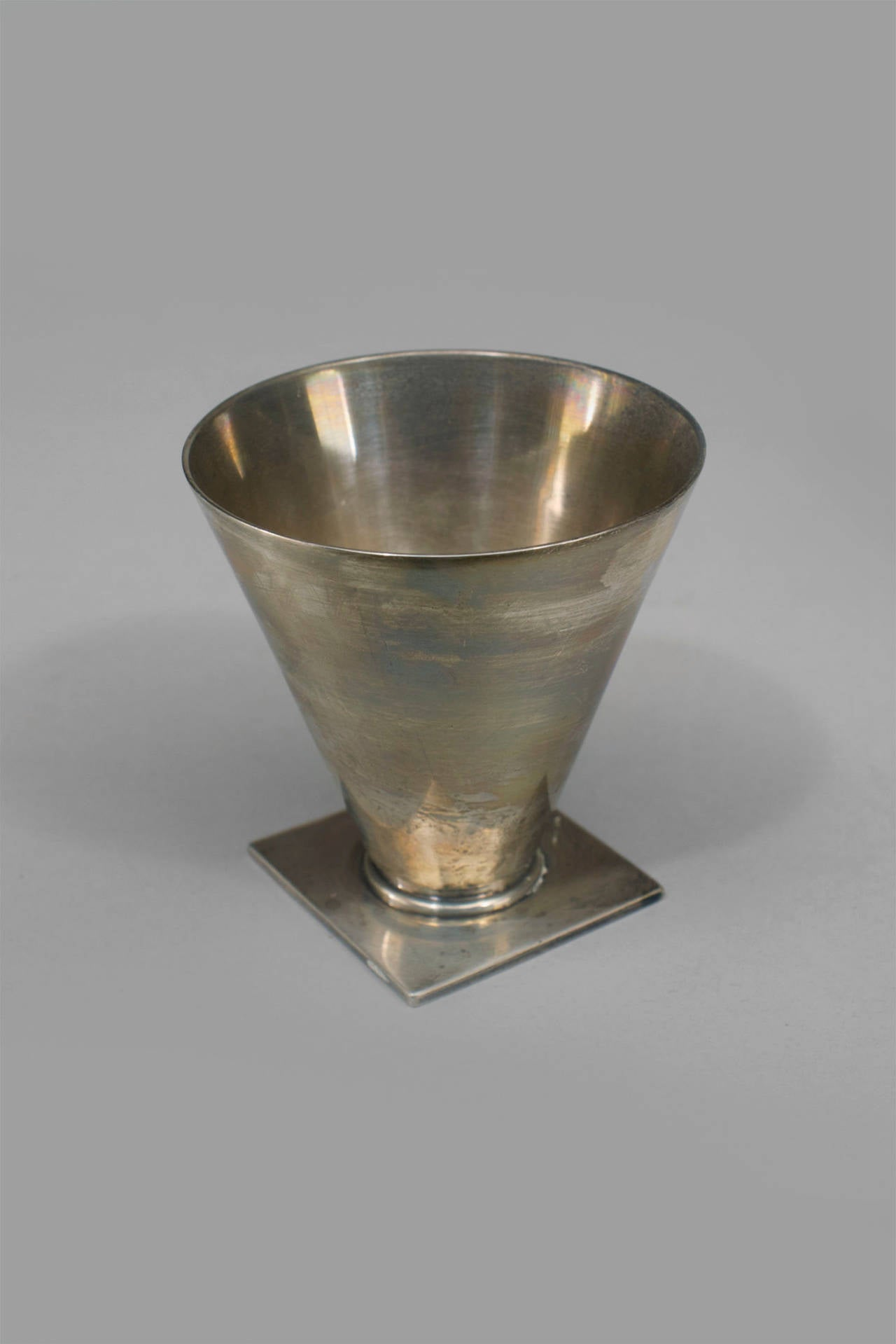 Set of 6 American Art Deco sterling silver small tapered cone shaped cordial cups resting on a square base, stamped Tiffany & Co.
