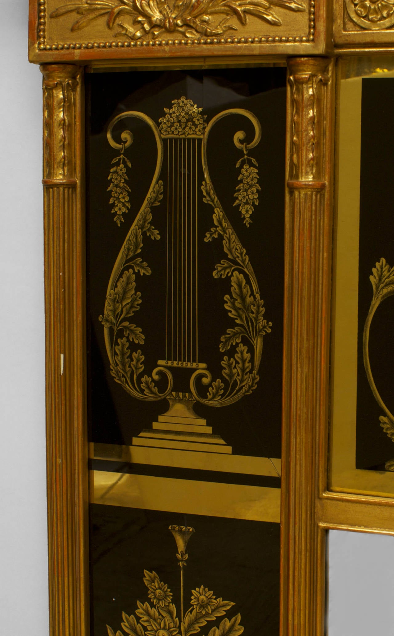 19th Century Italian Neoclassical Wall Mirror Framed in Reverse Painted Glass For Sale 1