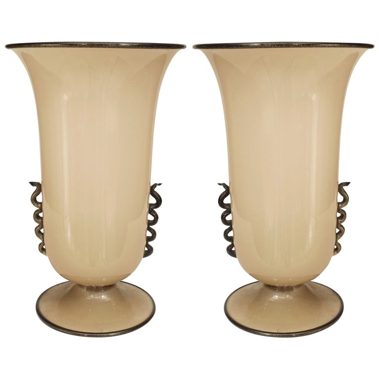 Pair of 1930s Venini Black-Trimmed Beige Murano Glass Table Lamps For Sale