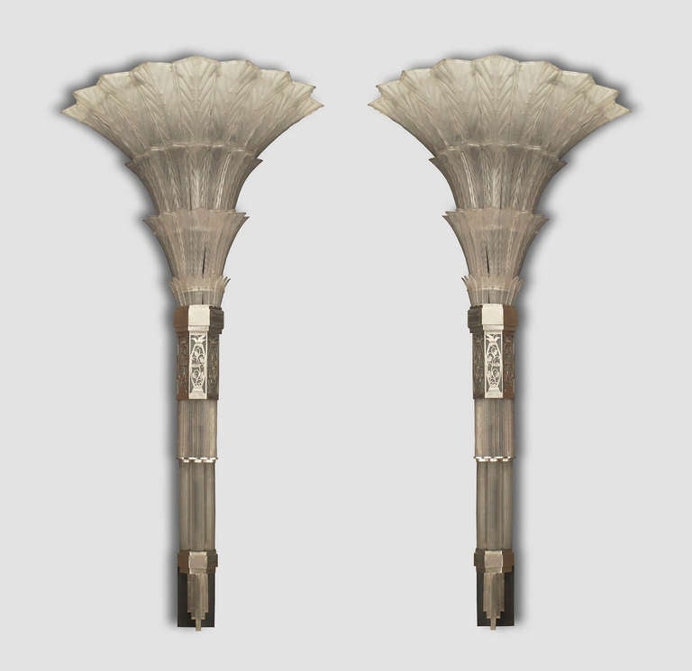 Pair of French Art Deco Glass Sconces by Sabino 3