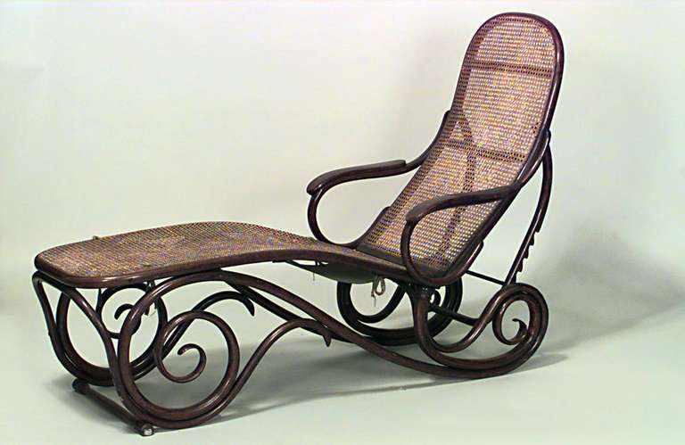 Turn of the century french bentwood chaise by a gaiffe for Chaise bentwood