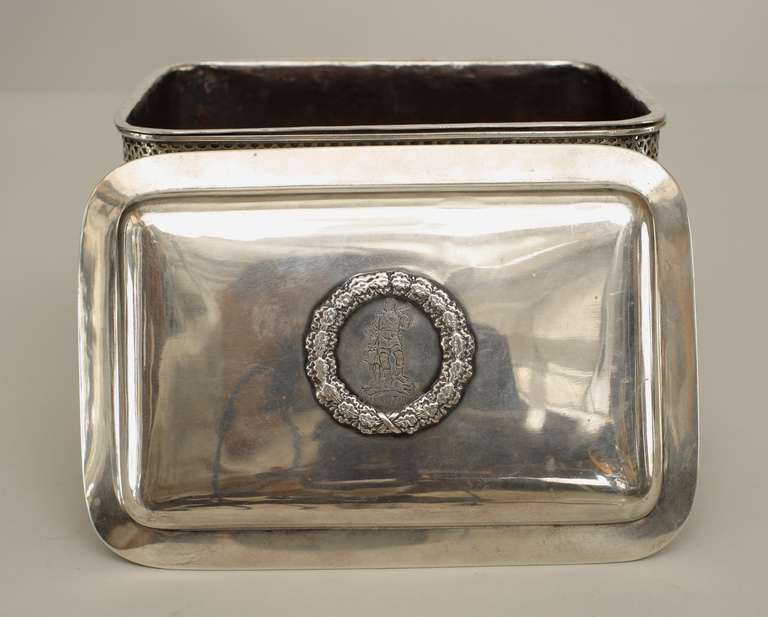 Turn of the Century German Sterling Box with Neoclassical Reliefs In Good Condition For Sale In New York, NY