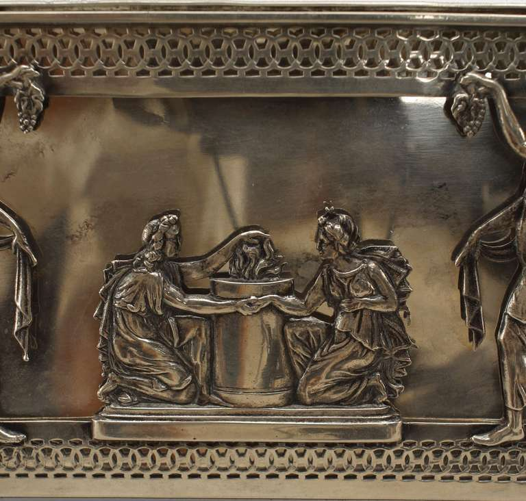 Turn of the Century German Sterling Box with Neoclassical Reliefs For Sale 1