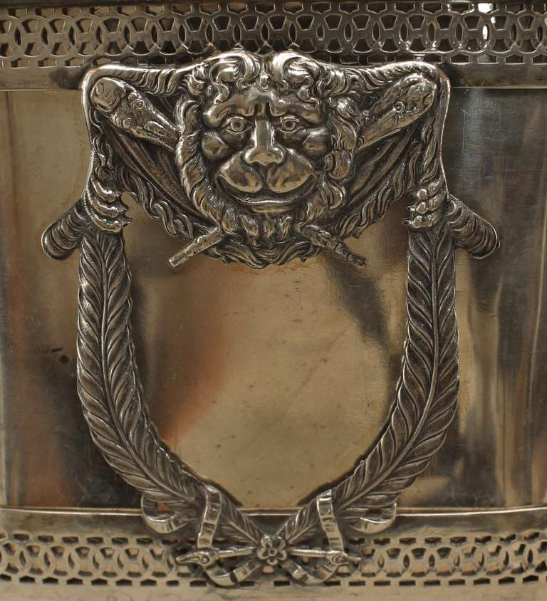 Turn of the Century German Sterling Box with Neoclassical Reliefs For Sale 3