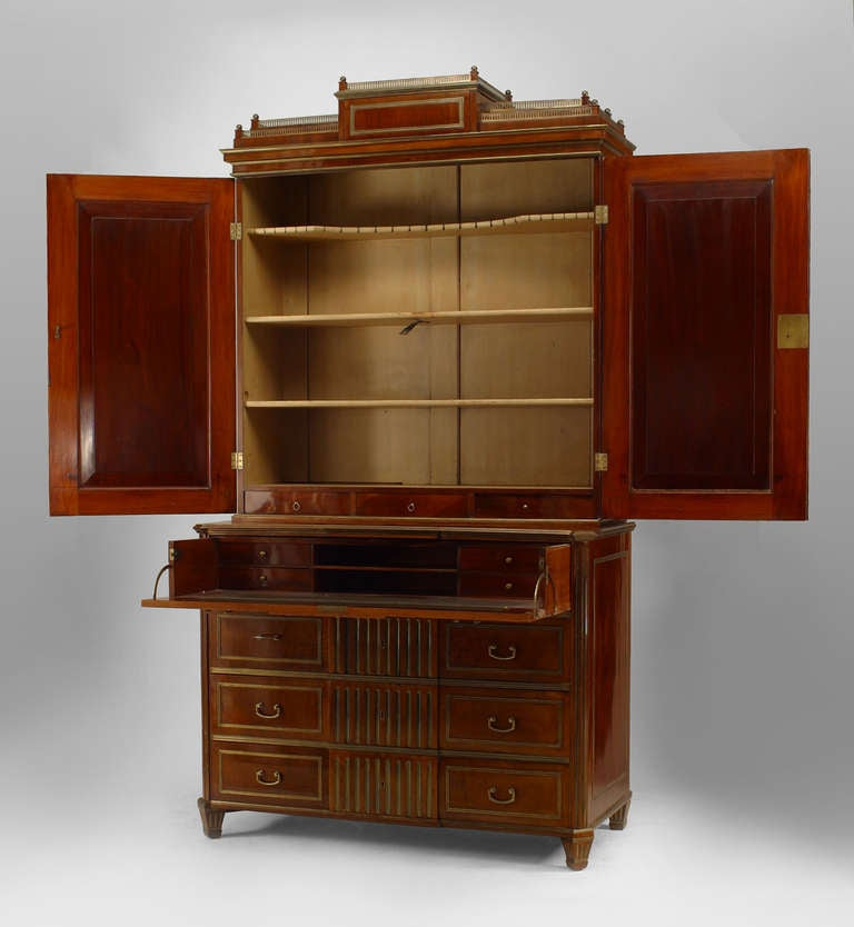 18th c. Russian Brass-Trimmed Mahogany Secretary Bookcase 3