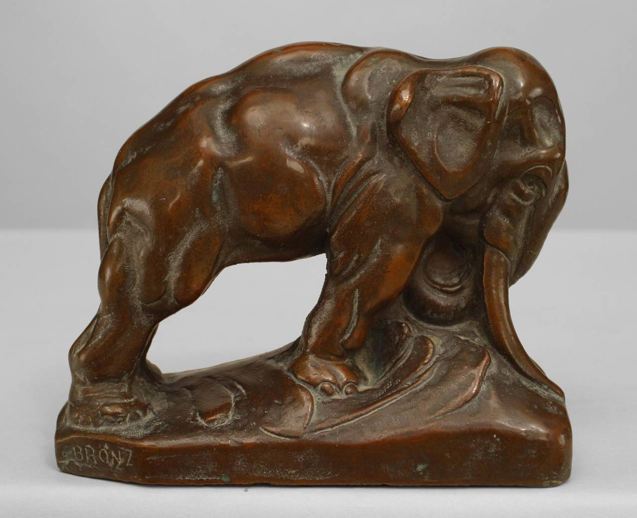 Pair of 20th Century Continental Bronze Elephant Bookends In Excellent Condition For Sale In New York, NY