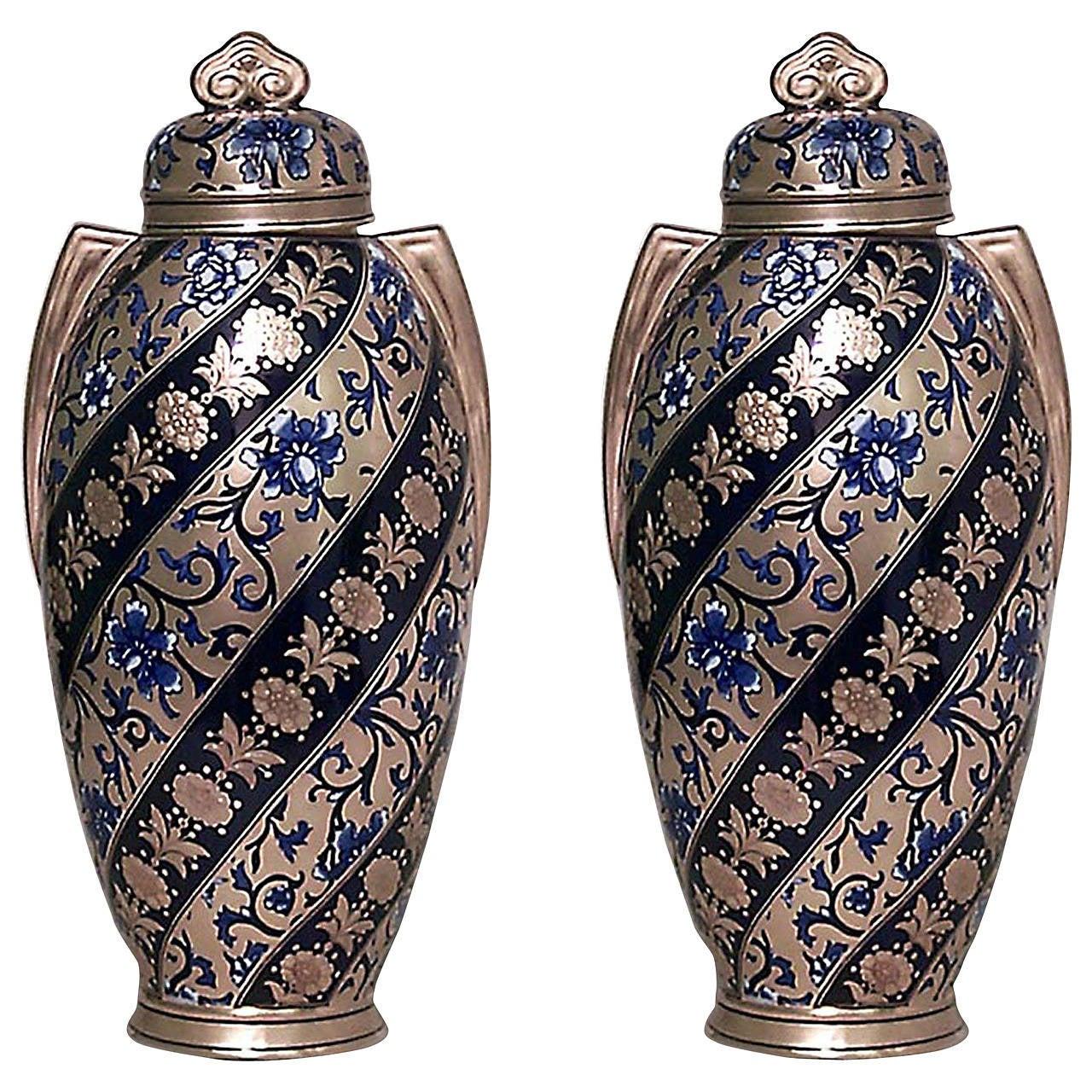 Pair of 19th Century English Swirled Coalport Porcelain Vases For Sale