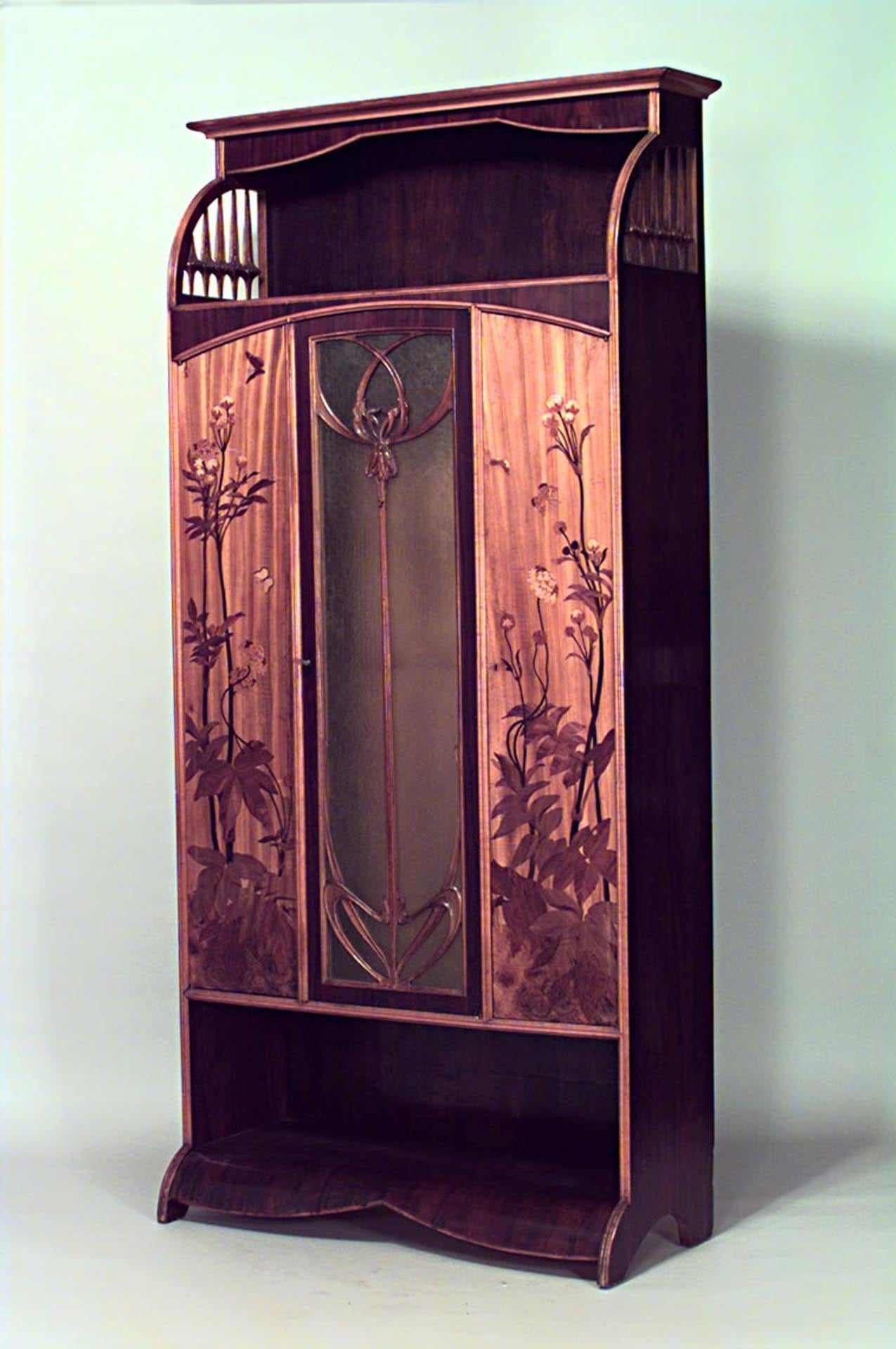 rare and important art nouveau armoire signed by louis majorelle for sale at 1stdibs. Black Bedroom Furniture Sets. Home Design Ideas