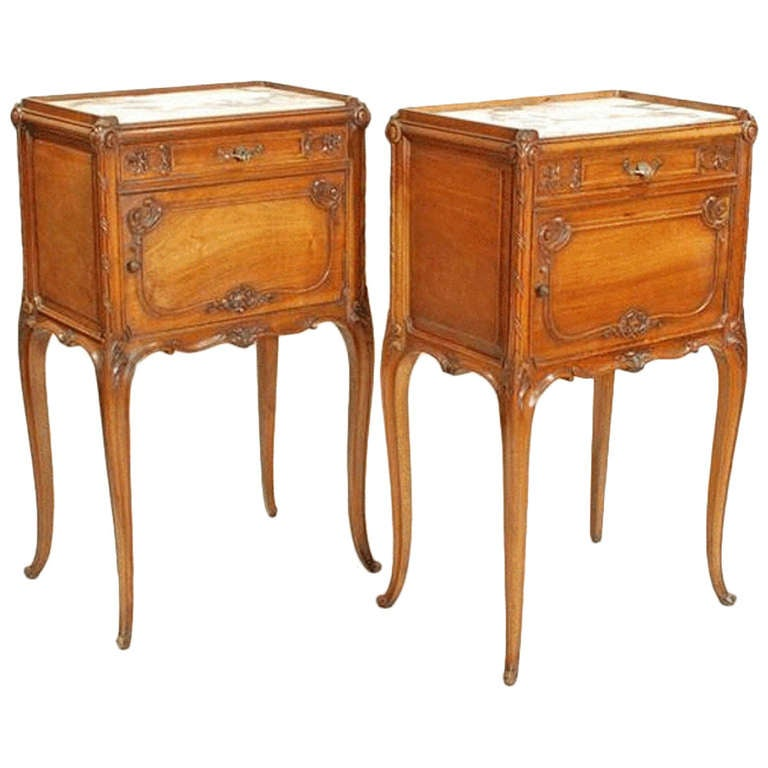 Pair Of Late 19th Century Antique Walnut Bedside Tables At