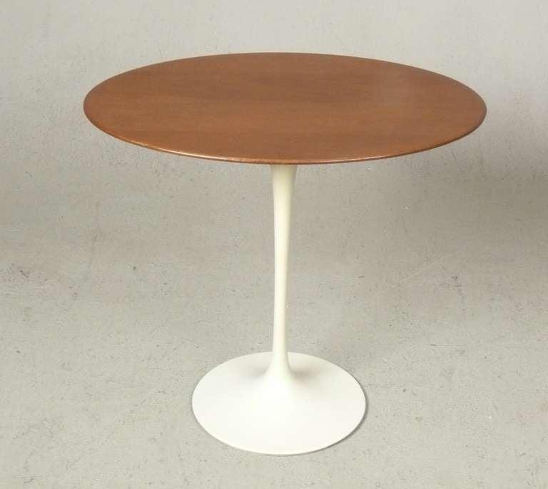 vintage eero saarinen oval walnut tulip side table for knoll at 1stdibs. Black Bedroom Furniture Sets. Home Design Ideas