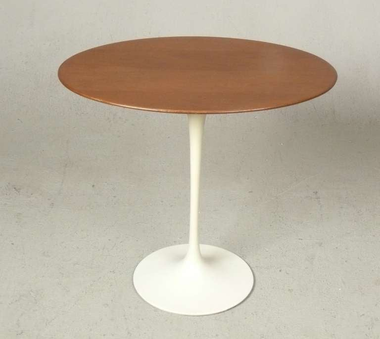 Table knoll ovale tulipe id e inspirante pour la conception de la maison - Cuisine low cost caluire ...