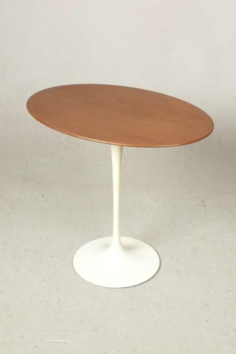 Vintage eero saarinen oval walnut tulip side table for for Oval side table