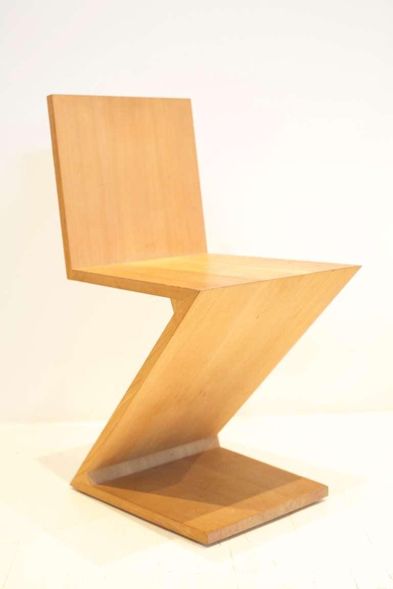 Gerrit Rietveld Zig-Zag Chair 2