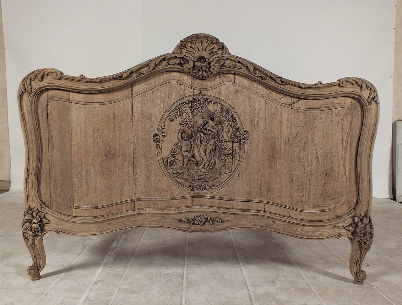 Early 20th century louis xvi style french full size bed for French furniture designers 20th century