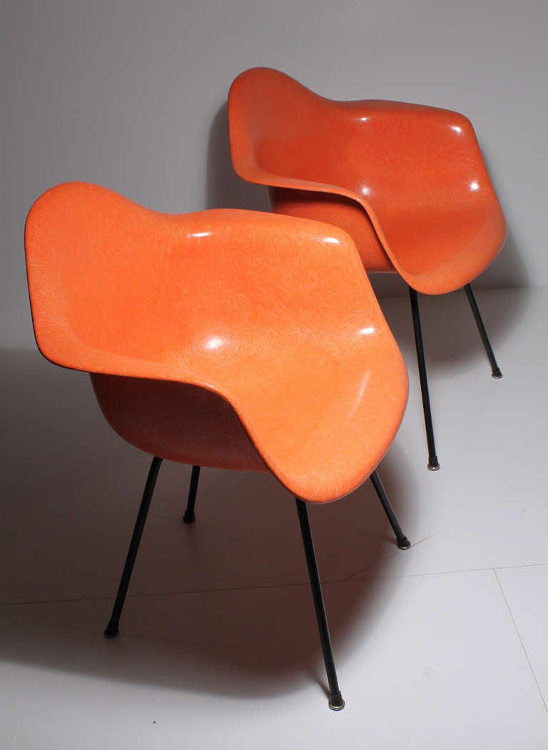 Mid-Century Modern Charles Eames for Herman Miller Early Pair of Dax Transitional Shell Chairs For Sale