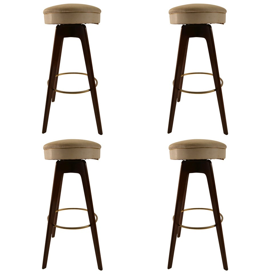 Set of Four Swivel Bar Counter Stools at 1stdibs : 1711732 1 from www.1stdibs.com size 960 x 960 jpeg 56kB
