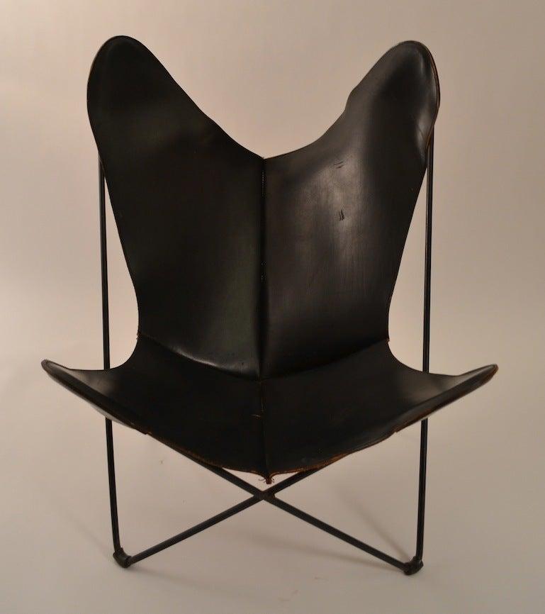 vintage hardoy butterfly chair in black leather at 1stdibs. Black Bedroom Furniture Sets. Home Design Ideas