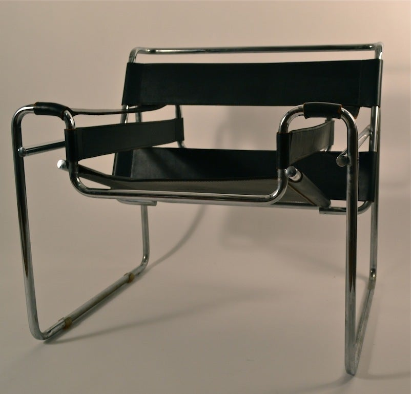 Vintage wassily chair by marcel breuer for knoll international for - Pair Of Marcel Breuer Wassily Chairs Made In Italy At 1stdibs
