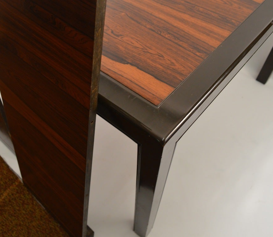 Late 20th Century Elegant and Sleek Probber Rosewood  Dining Table with Three Leaves