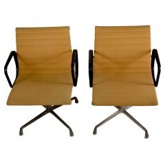 Pair Charles and Ray Eames Design for Herman Miller Swivel Arm Chairs