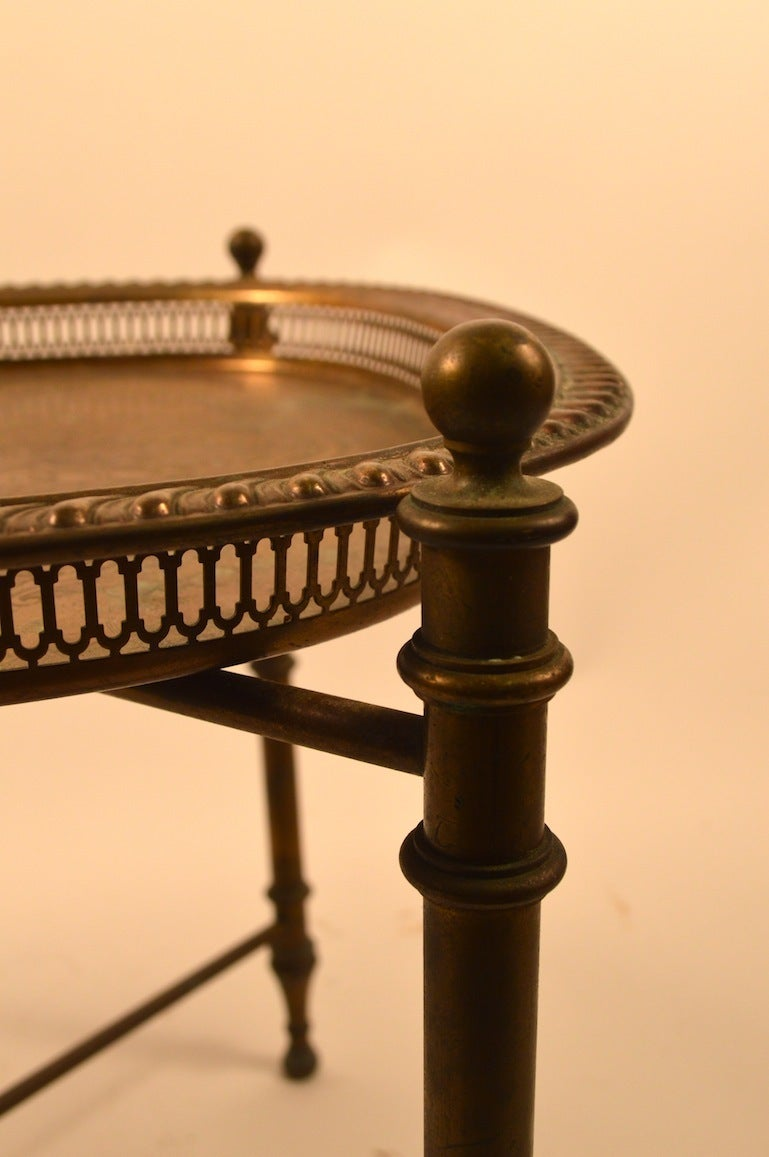 Classical Brass Tray-Top Table In Good Condition For Sale In New York, NY