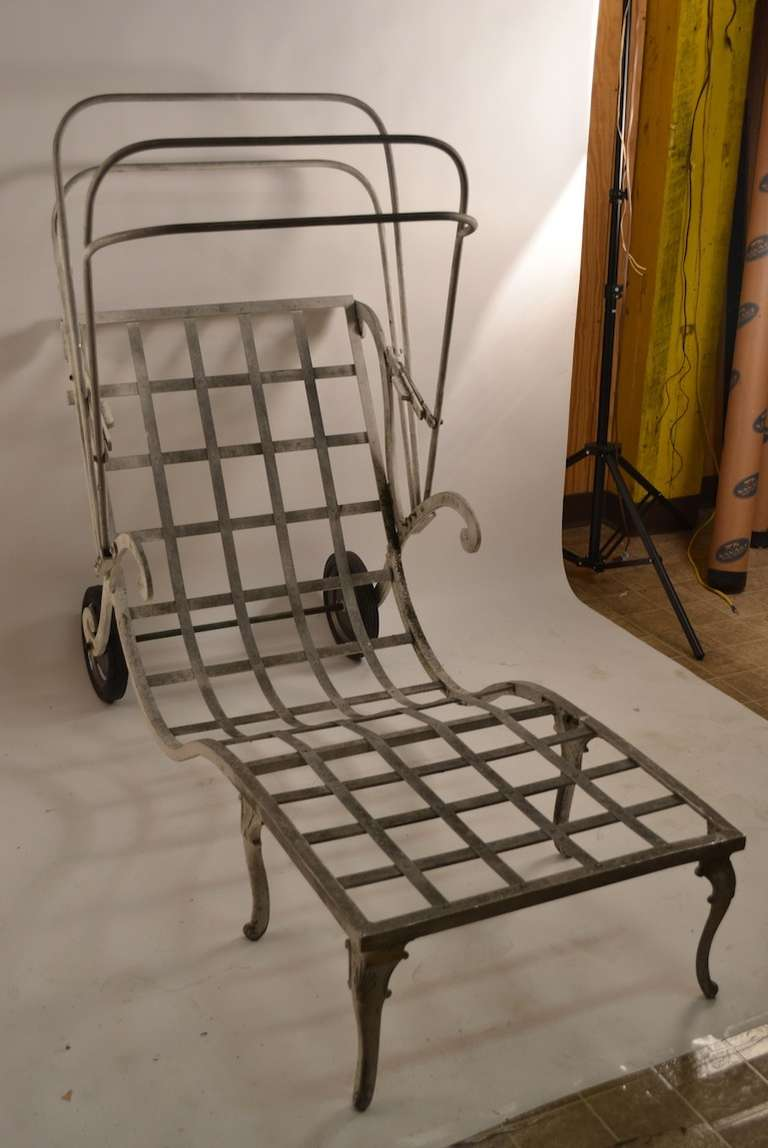 Molla cast aluminum and magnesium art deco chaise at 1stdibs for Chaise longue textilene alu