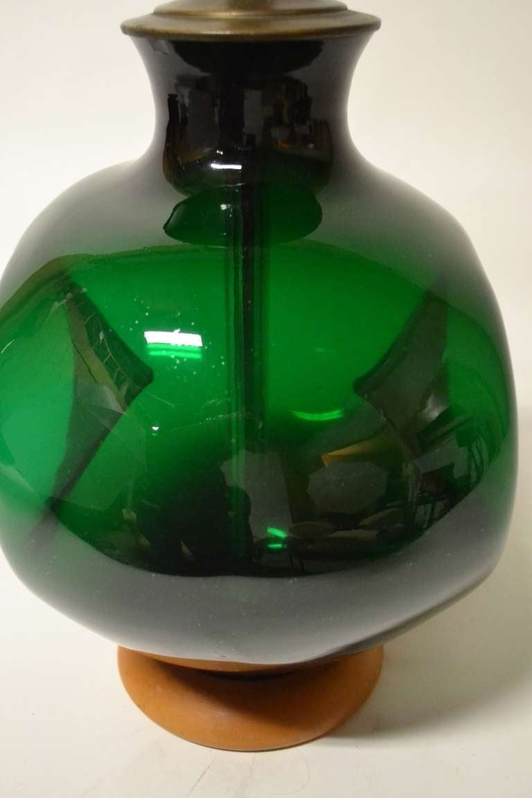 Mid-Century Modern Blenko  Pinch Form Emerald Green Table Lamp For Sale