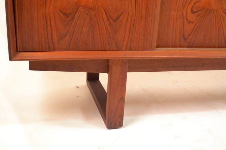 Extra Long Danish Modern Teak Credenza Server For Sale 1