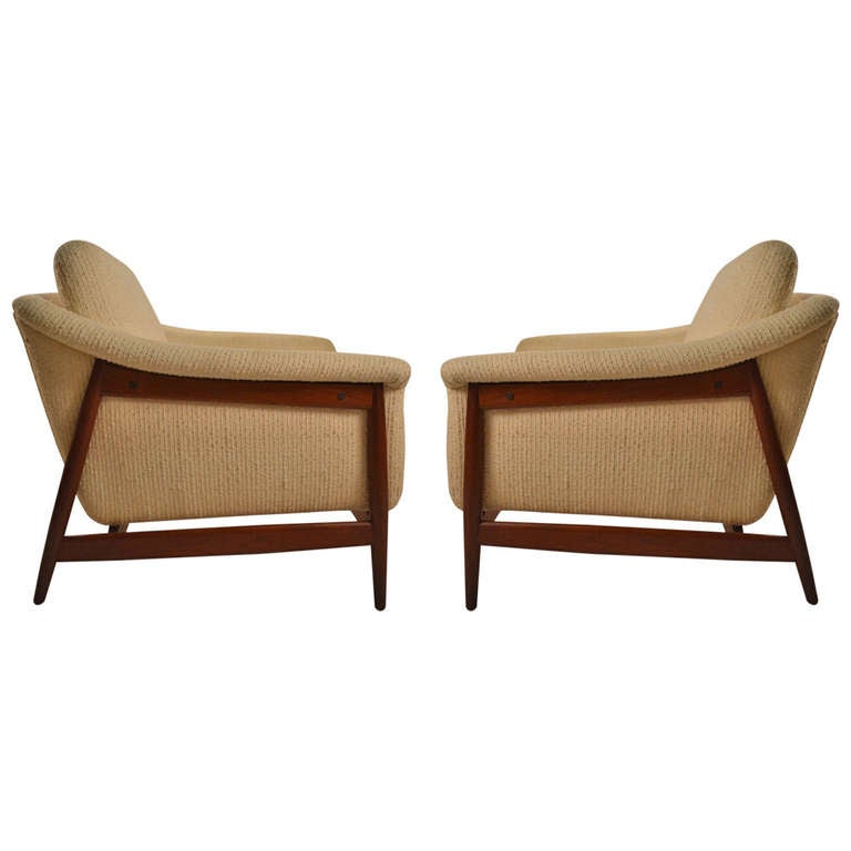 pair of norwegian dux danish modern teak frame club chairs at 1stdibs