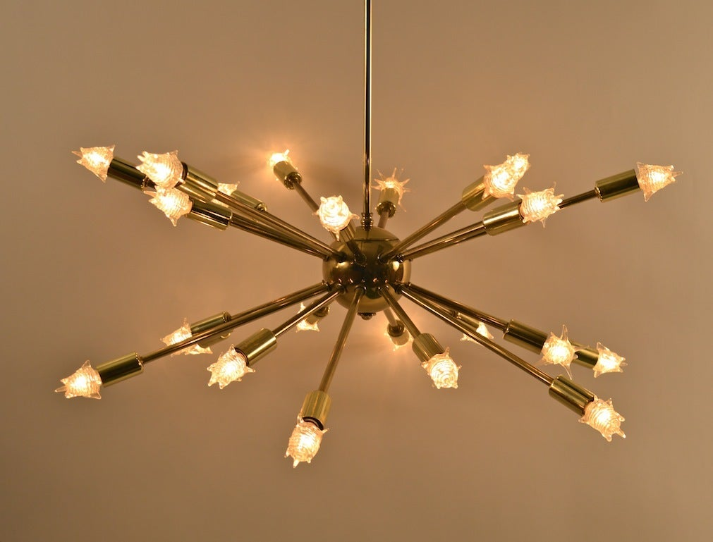 24 light brass sputnik chandelier at 1stdibs. Black Bedroom Furniture Sets. Home Design Ideas