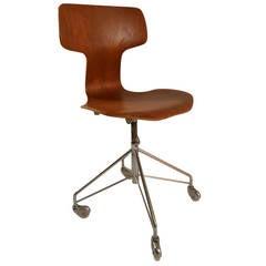 Arne Jacobsen for Fritz Hansen Swivel Desk Chair