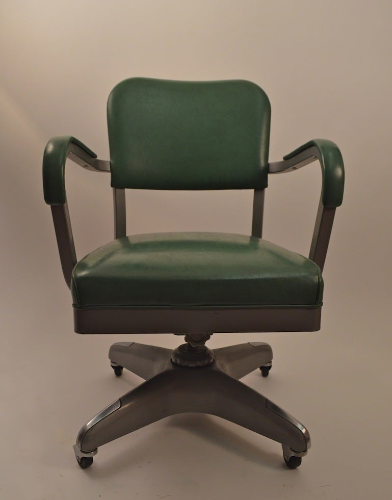 Classic Swivel Tilt Industrial fice Chair at 1stdibs