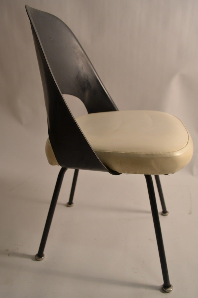 Set of four early saarinen for knoll dining chairs at stdibs