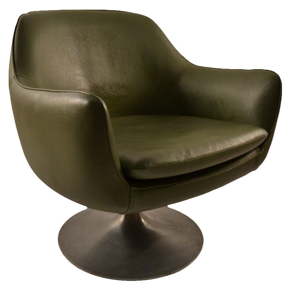 Overman swivel pod chair at 1stdibs for Swivel chairs
