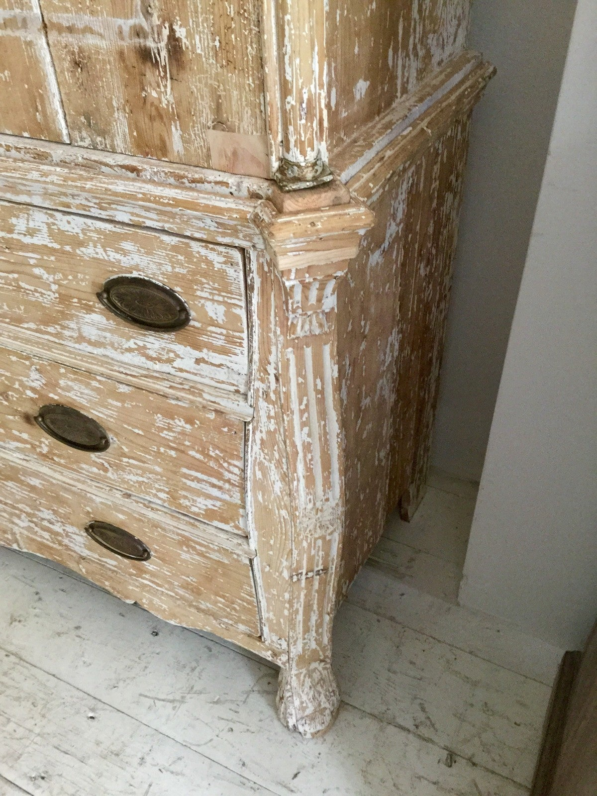 19th Century French Rococo Style Buffet Deux Corps 9